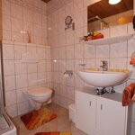 Photo of FW 3/2 bedrooms / shower, WC