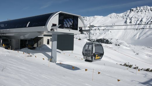 Gondola in Galtür at the mountain station